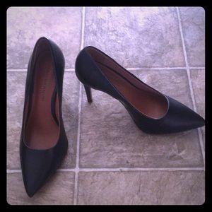 Black 3/3.5 inches heels